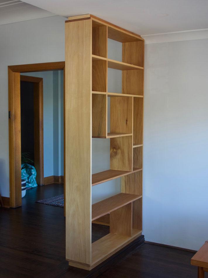 Room-divider shelves